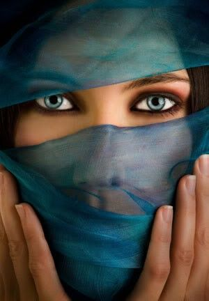 FARMAOPTICS_ojos_azules