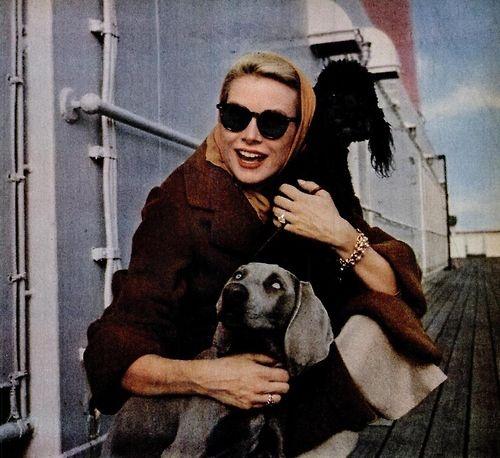 Grace Kelly con gafas de sol
